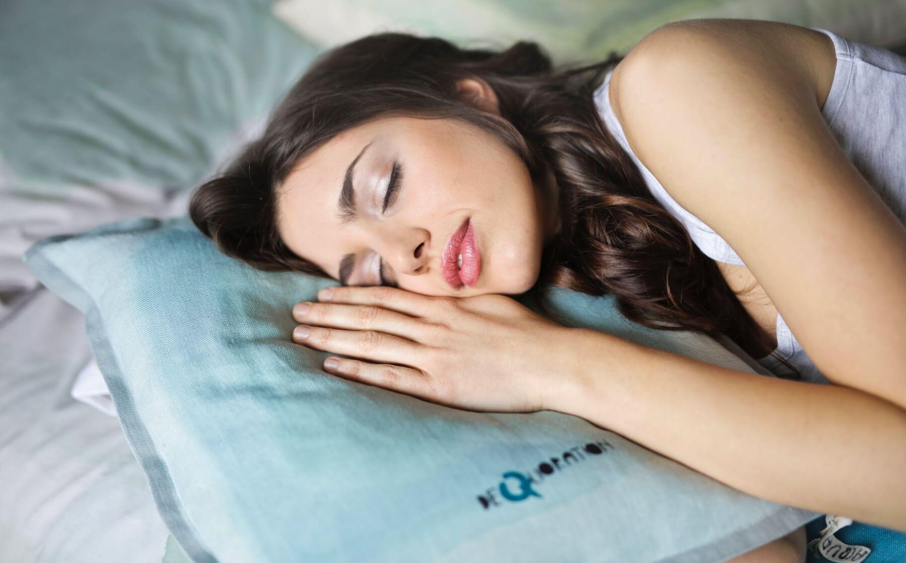 8 bin lira karşılığında her gün 9 saat uyuyacak kişiler aranıyor.