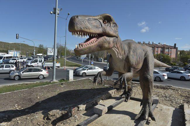 10 Milyonluk Dinozor